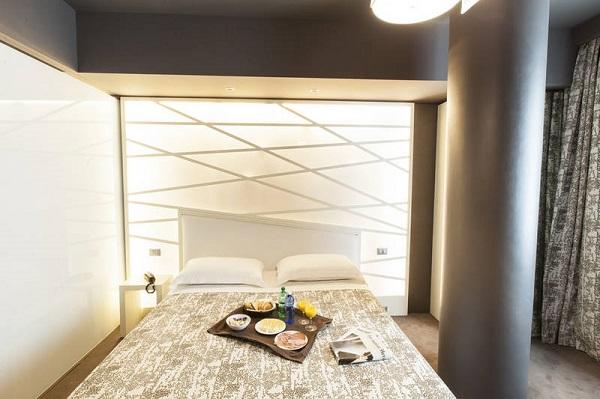 Smart Hotel 8