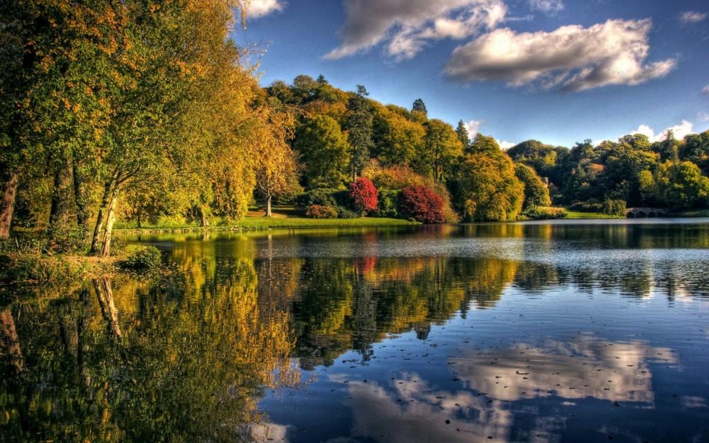 autumn_lake_park-1680x1050