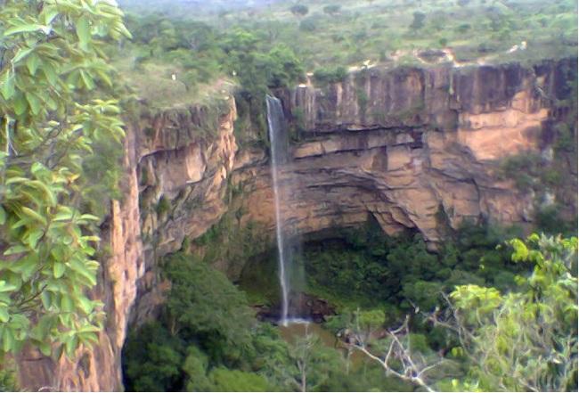 Cachoeira_Véu_de_Noiva