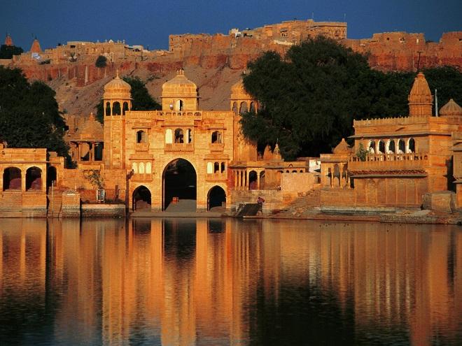 Gadi-Sagar-Temple-Jaisalmer-Rajasthan-India
