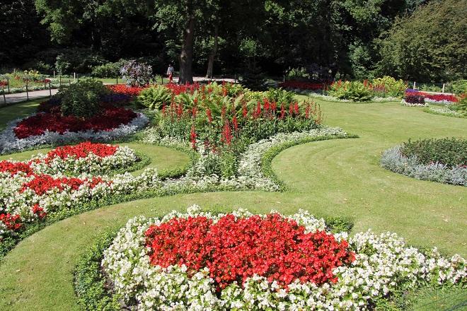 beautiful-garden-in-the-tiergarten