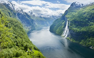 Skageflå farm and the Seven Sisters waterfall at Geirangerfjord.